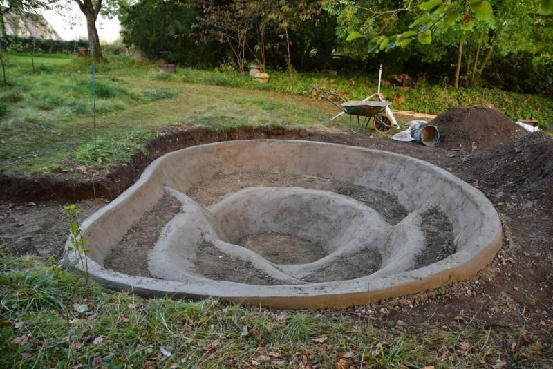 бетонная основа для искусственного водоема